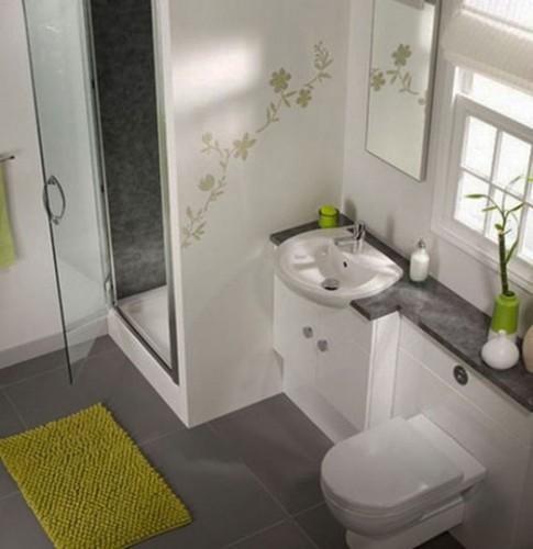 baño-pequeño-blanco-gris-y-verde-485x500
