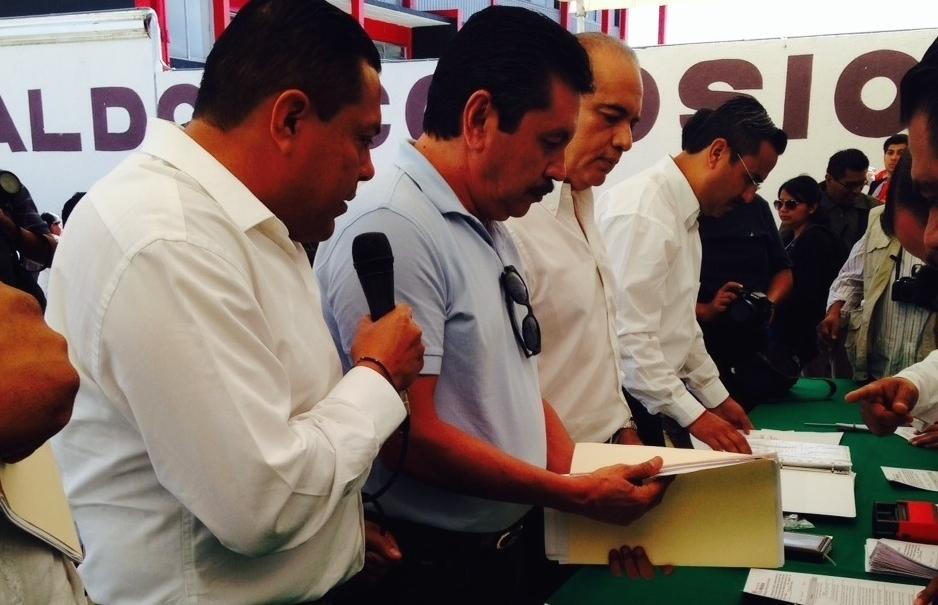 """A falta de """"operación cicatriz"""", priistas rebeldes de Pinotepa se reúnen otra vez"""