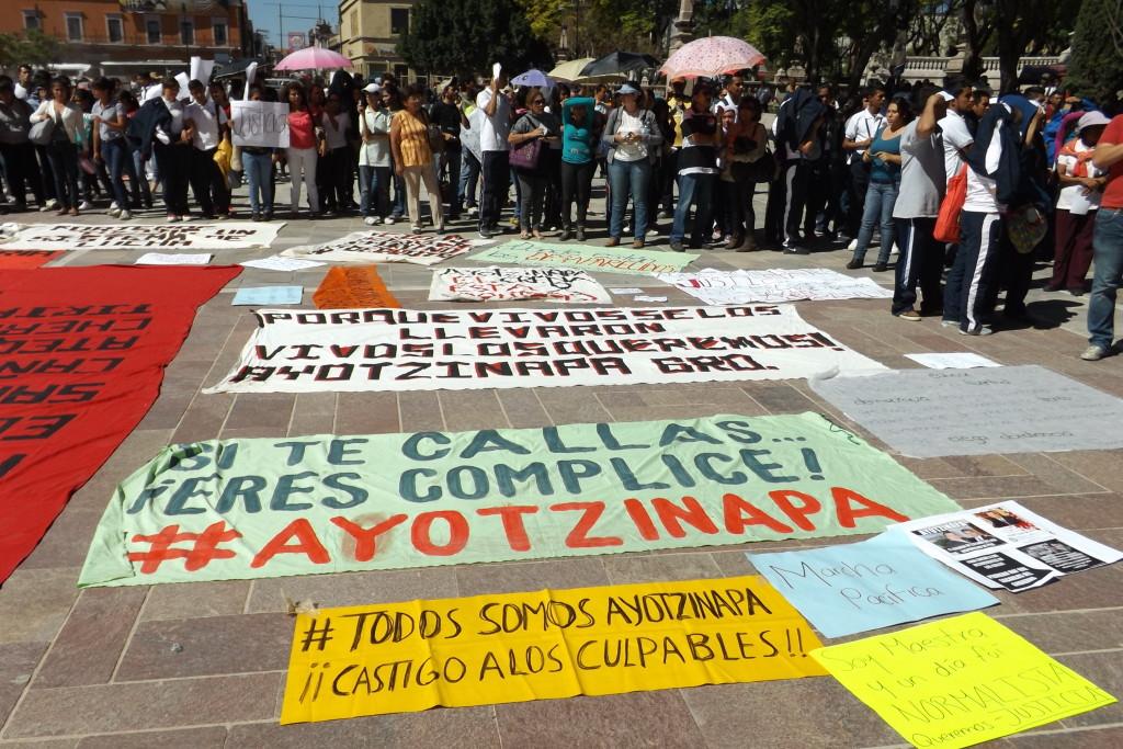 Estrictamente Personal / Raymundo Riva Palacio: Ayotzinapa, penetrada por 'Los Rojos'