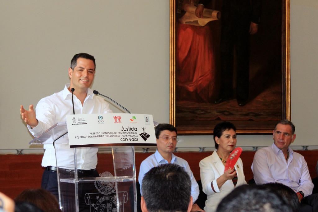 El abrevadero de Salomón: Alejandro Murat, constitucionalmente descartado para el 2016.