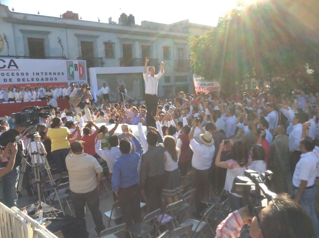 Zona vip y la barrera, crónica de la toma de protesta de Alejandro Murat
