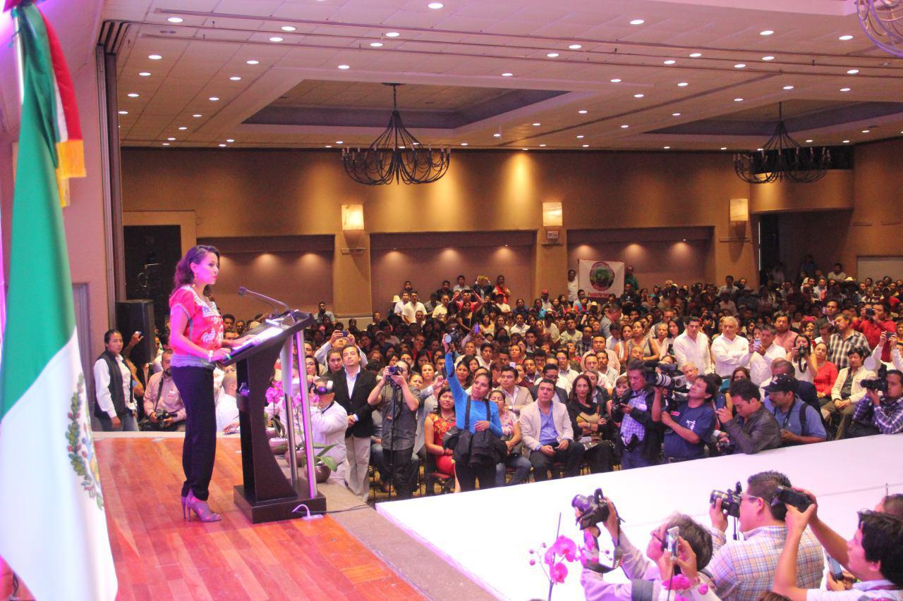 La legisladora federal oaxaqueña Mariana Benítez rindió su primer informe de trabajo