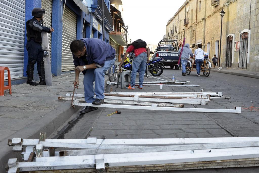 Gobierno municipal capitalino verifica instalación de puestos en la vía pública
