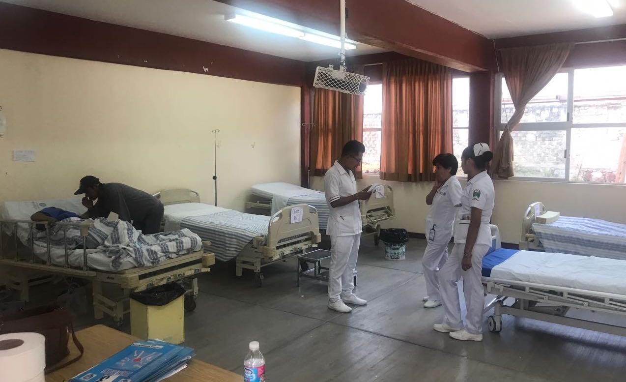 Continúan inhabilitados centros médicos en la Mixteca por daños del sismo