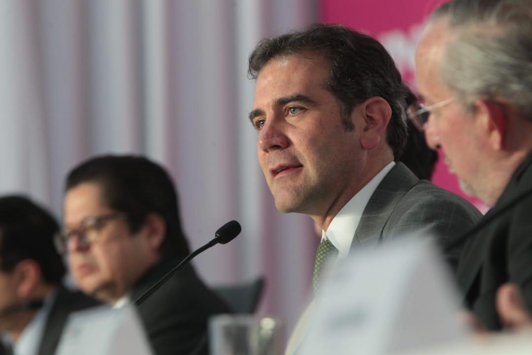 CRÓNICA POLÍTICA: Lorenzo Córdova exagera y pretexta la autonomía del INE
