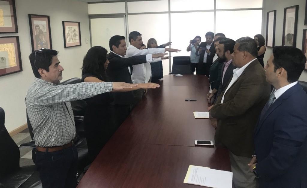 Toman protesta a los nuevos consejeros de la DDHPO