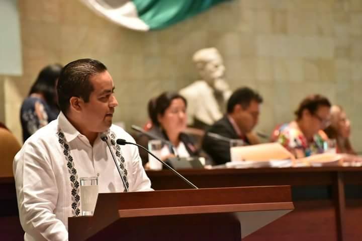 Propone diputado Toribio López reducir consumo de bolsas de plástico y popotes