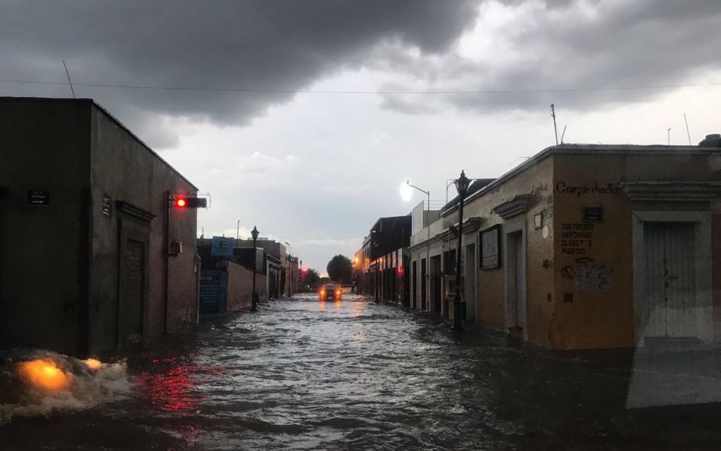 Lluvias dejan daños en diferentes zonas en Oaxaca; la precipitación se mantendrá