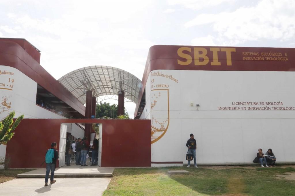 Aumenta 42% matrícula del SBIT-UABJO; inician ciclo escolar 2018-2019