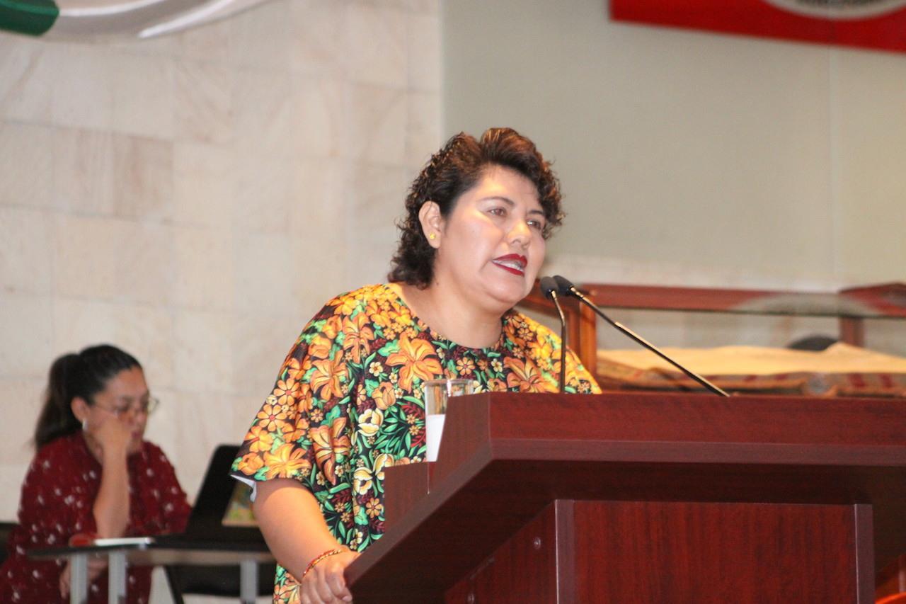 """Padecer dislexia no ha impedido mi productividad legislativa"": Neli Espinosa"