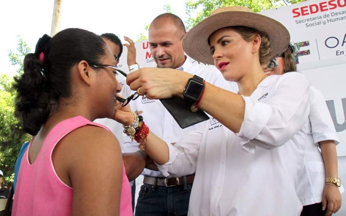 """Ivette Morán de Murat encabeza el Programa """"Juntos""""en San Juan Bautista Tuxtepec"""