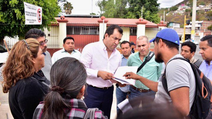 Oswaldo García Jarquín atiende demandas ciudadanas