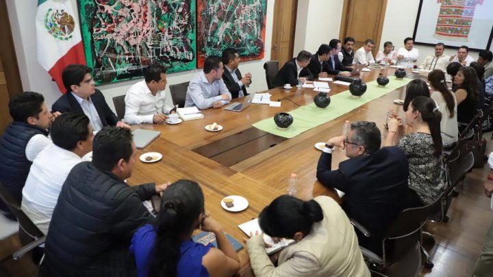 Gobierno del Estado y Diputados Federales acuerdan hacer frente común en beneficio de Oaxaca