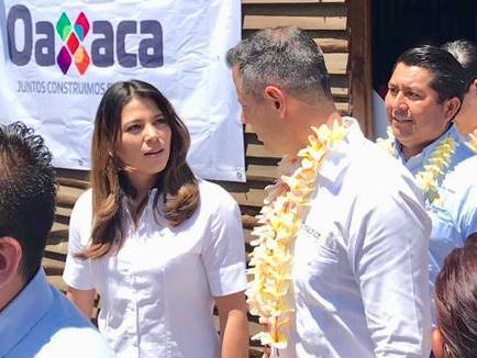 CRÓNICA EXPRÉS: Reparan el error de marginar a Gabriela Olvera; la recuperan nombrándola Delegada en Santa Lucía del Camino