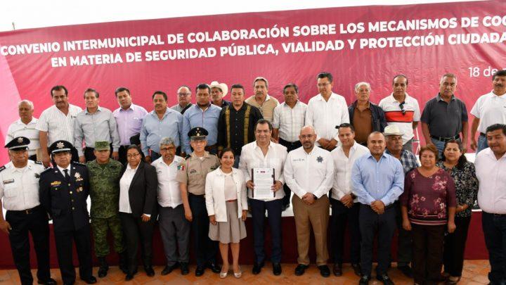 """Ediles de Valles Centrales se unen por la seguridad; """"haremos frente a la delincuencia"""", dice Oswaldo García"""