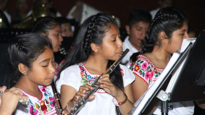 """Culmina en Huajuapan el Festival de Primavera """"Identidad y Tradición"""""""