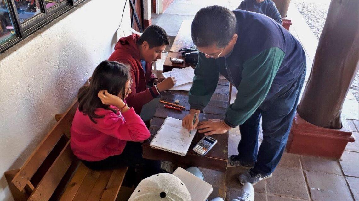 Asesorías gratuitas en Parque Colosio apoyan aprendizaje de jóvenes oaxaqueños
