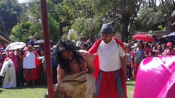 Impulsan las tradiciones religiosas en comunidades mixtecas