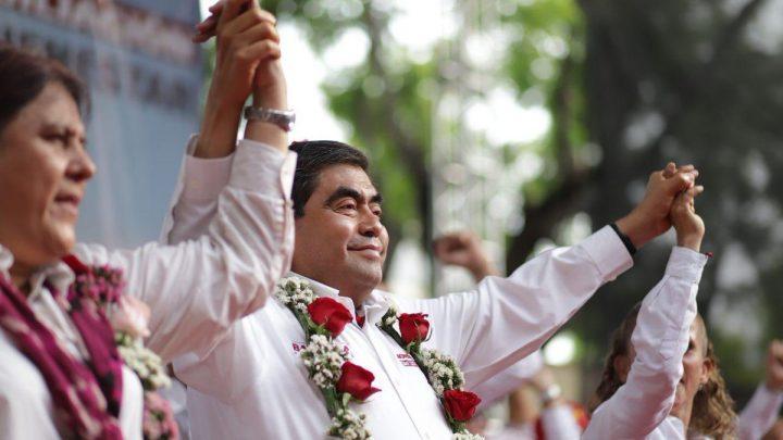 Miguel Barbosa se declara ganador de la elección de gubernatura de Puebla; encuestas le dan la ventaja