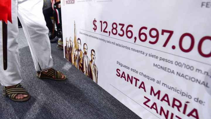 Gobierno Federal entrega más de 25 millones a comunidades pobres de Oaxaca; recursos provienen de subasta de autos