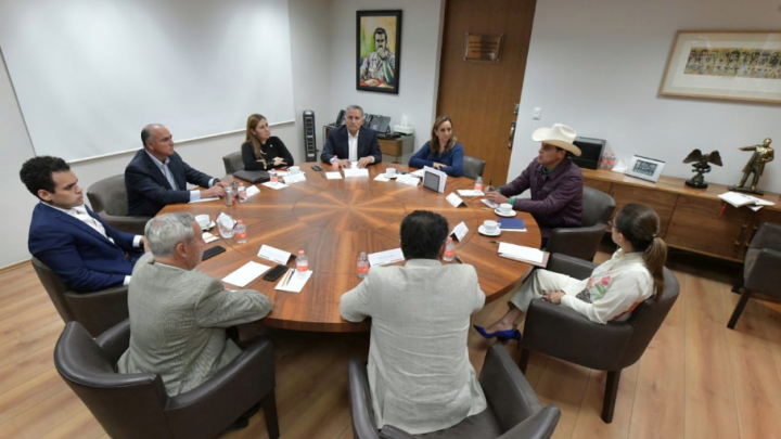 Proceso interno sigue adelante, dice CEN del PRI
