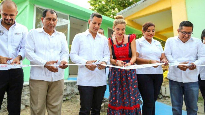 El Gobernador y la presidenta del DIF Oaxaca, Ivette Morán, entregaron la rehabilitación del Centro de Atención Múltiple (CAM) 17 de Huatulco