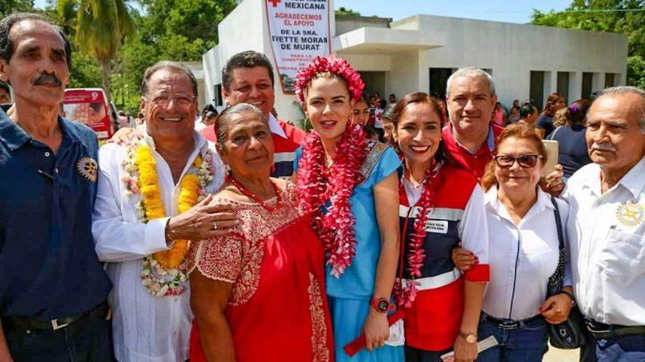 Ivette Morán de Murat entrega apoyos por más de 1 MDP en la región de la Costa oaxaqueña