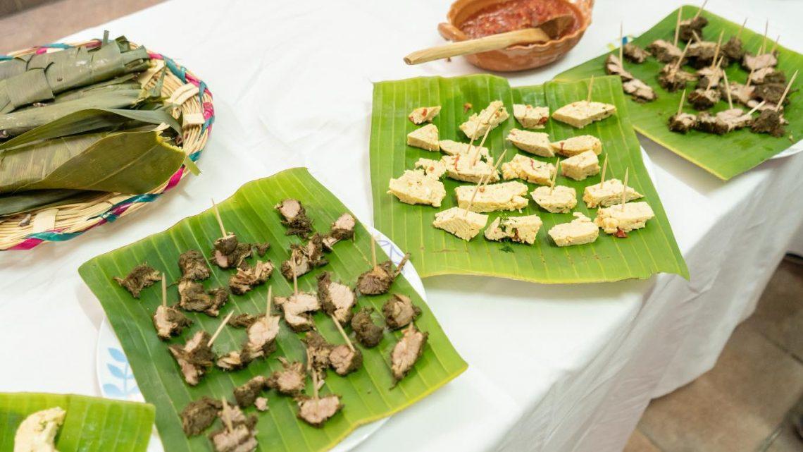 Promueve Santa Ana Zegache gastronomía ancestral en Encuentro de Cocineras